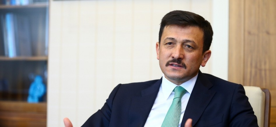 AK Partili Dağ'dan Özgür Özel'e Sert Tepki: Bu Sözler Mahcup Eder, Edepli Olmaya Davet Ediyoruz