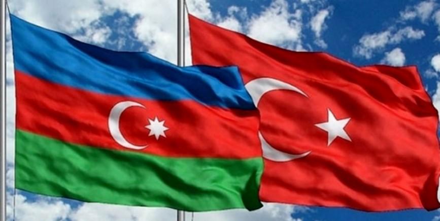 Azerbaycanlı Gençler Türk Ordusuna Katılmak İçin Başvuruda Bulunuyor