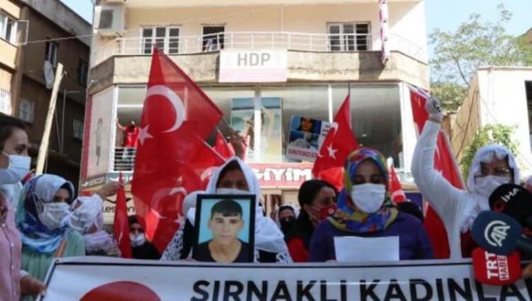 Doğuda HDP-PKK karşıtı bilinç yürüyüşe geçti, Şırnaklı Annelerde HDP'ye Karşı İsyan Başlattı