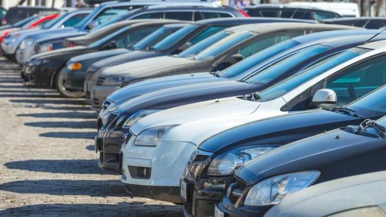 Dövizdeki düşüş ikinci el araç satışlarını durma noktasına getirdi