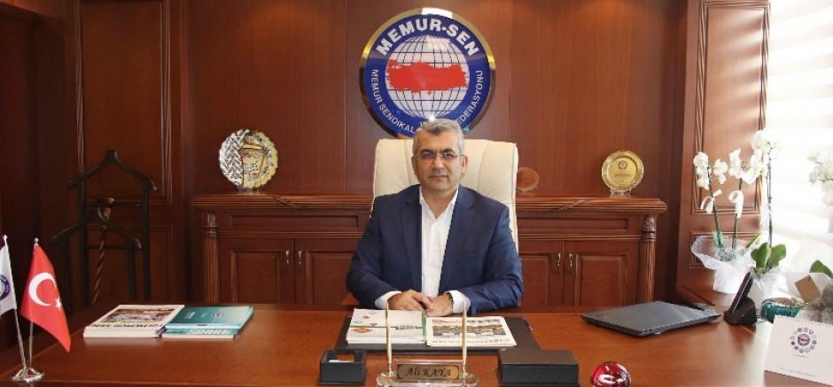 Eğitim-Bir-Sen İzmir 1 No'lu Şube'den Basın Açıklaması