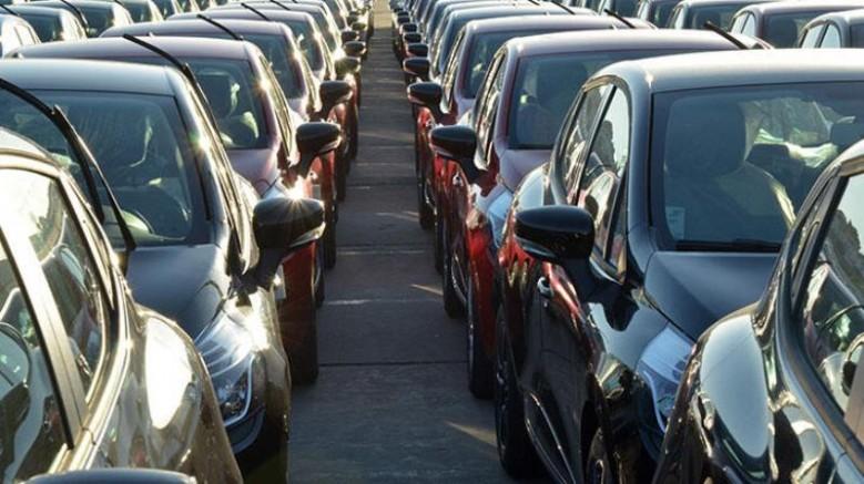 İkinci el otomobil fiyatları sert düşüyor!