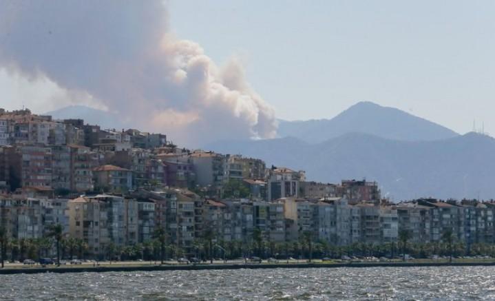 İzmir Balçova Teleferikte orman Yangını