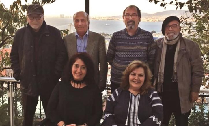 """İzmir'in İlk, Türkiye'nin Tek  """"Yazarlar Kooperatifi"""" Kuruldu"""