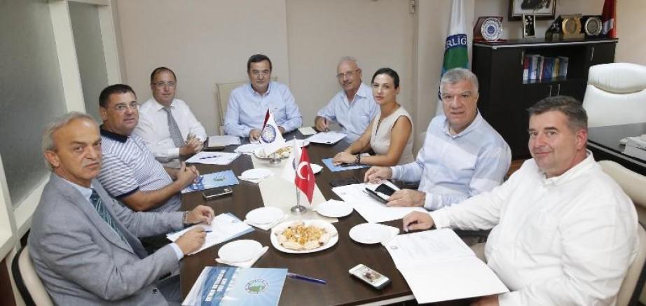 Kıyı Ege Belediyeler Birliğinden Çevre Deklarasyonu: Doğa Ananın Çığlığı Artık Duyulmalı