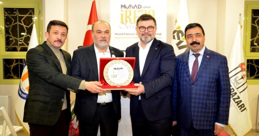 MÜSİAD İzmir Şubesi 'İrfan Sohbeti' Toplantısı'nda Buluştu