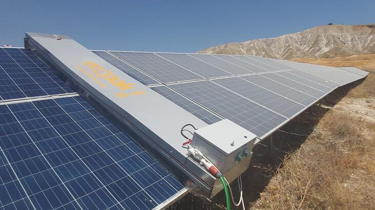 Panel temizleyen robotlar güneş santrallerinde enerji verimliliğini artırıyor