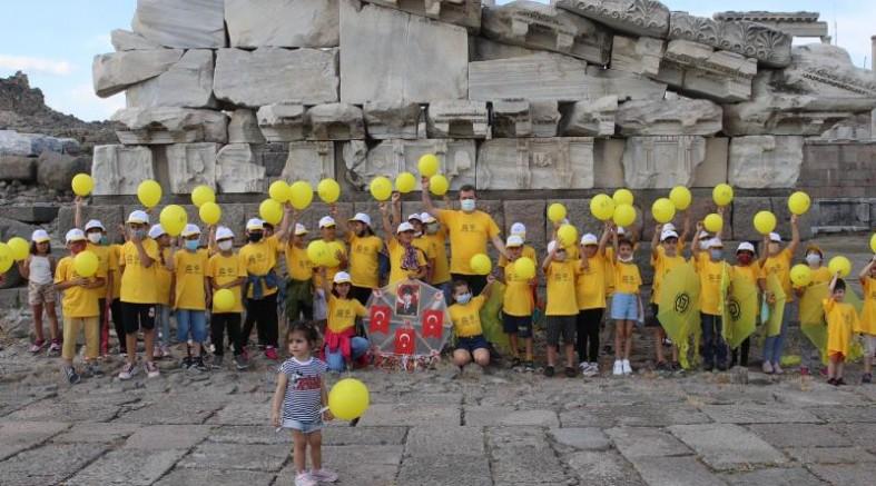 Tarihin çocuklarından UNESCO'ya uçurtmalarla selam