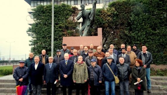 TGS İzmir Şubesi Başkanı Hüner: Gazetecilik suç değildir