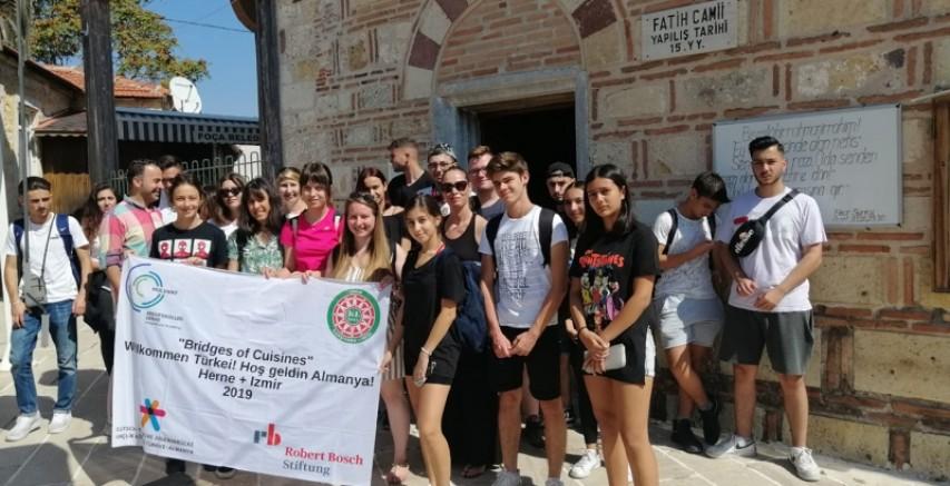 Türk Ve Alman Gençler, Foça'ya Kültür Gezisi Düzenledi