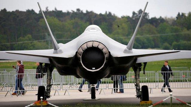 Türkiye F-35'in parça üretiminden çıkarıldı